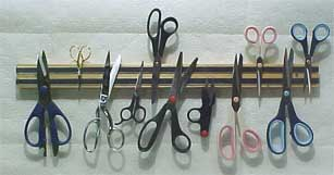 24 in. Magnetic Scissor Rack